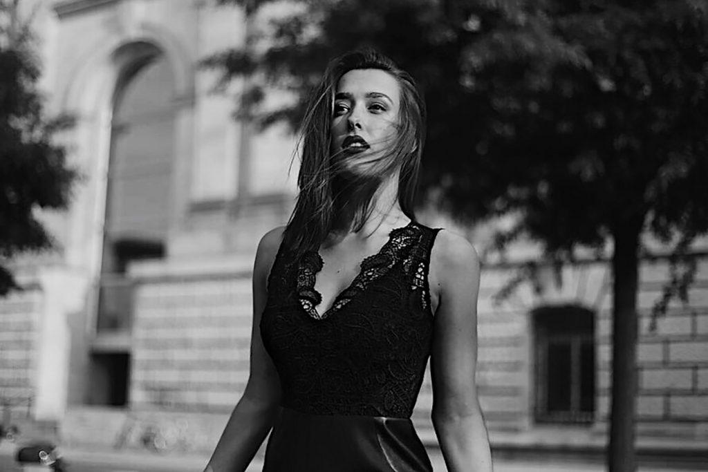Ella S. - TEAM AGENTUR