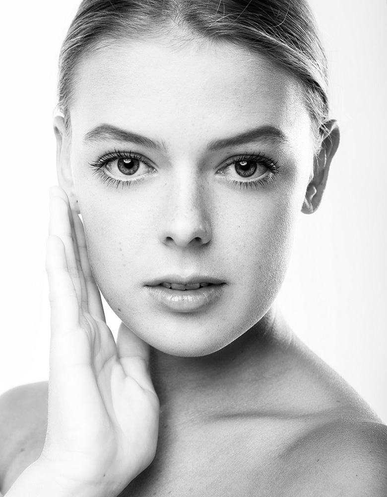 Lara N. - TEAM AGENTUR