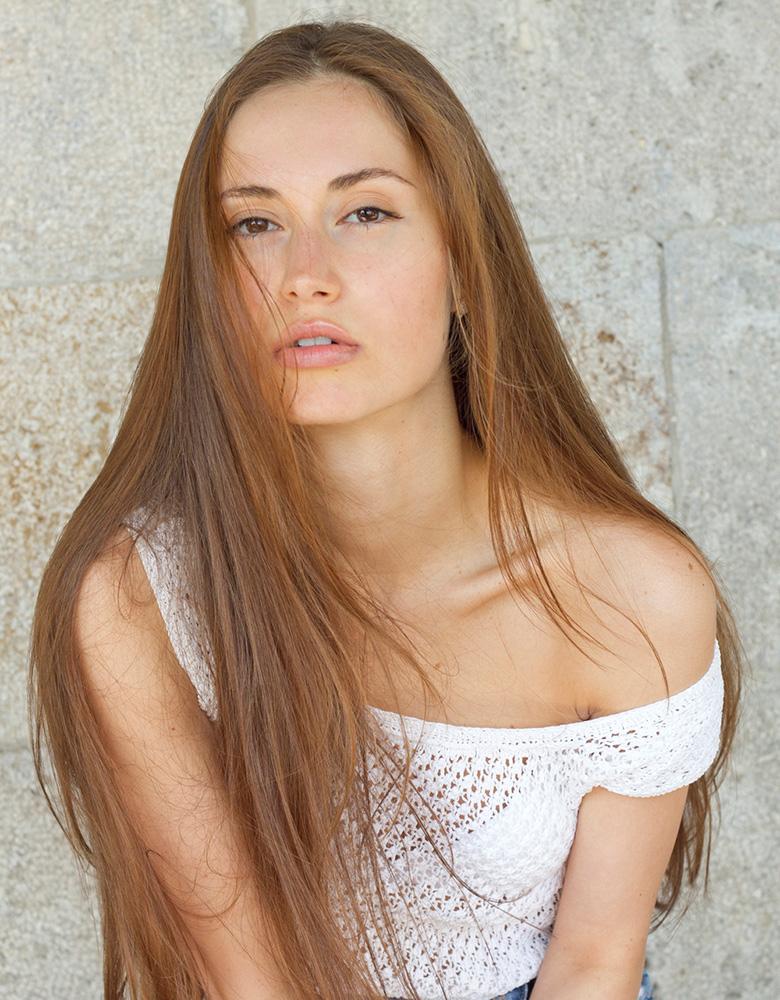 Veronica K. - TEAM AGENTUR