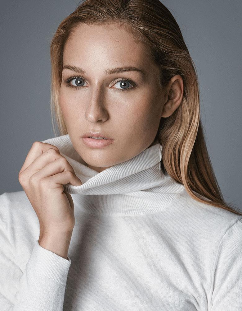 Larissa G. - TEAM AGENTUR