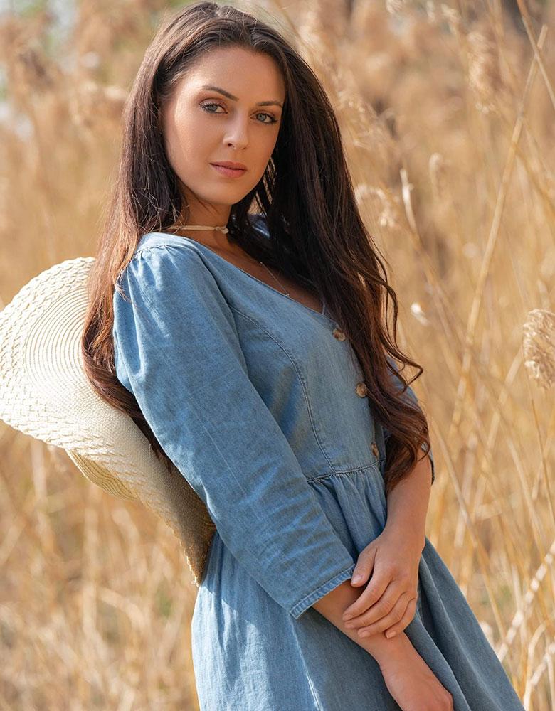 Marisa D. - TEAM AGENTUR